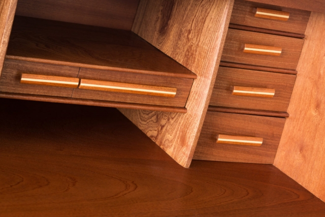 Stand Up Desk - Detail of graduated drawers